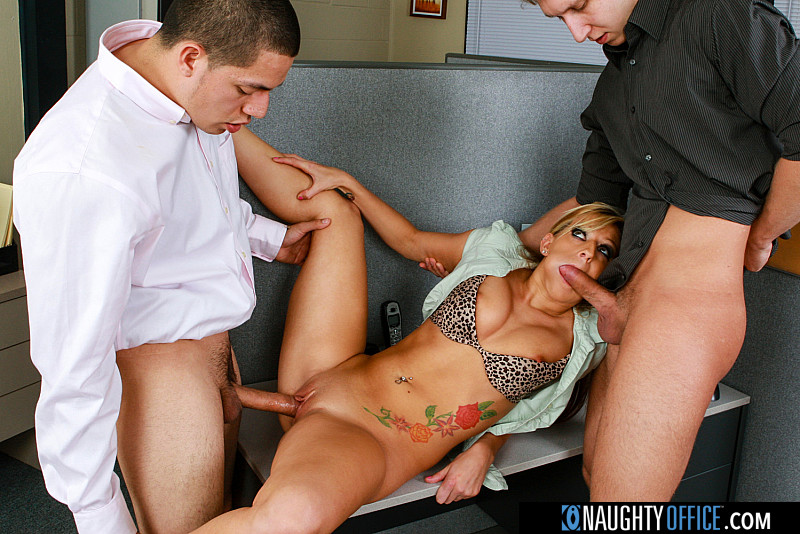 Naughty Office – Lilly Kingston – Lilly Kingston gets fucked by two big cocks – Remastered 1