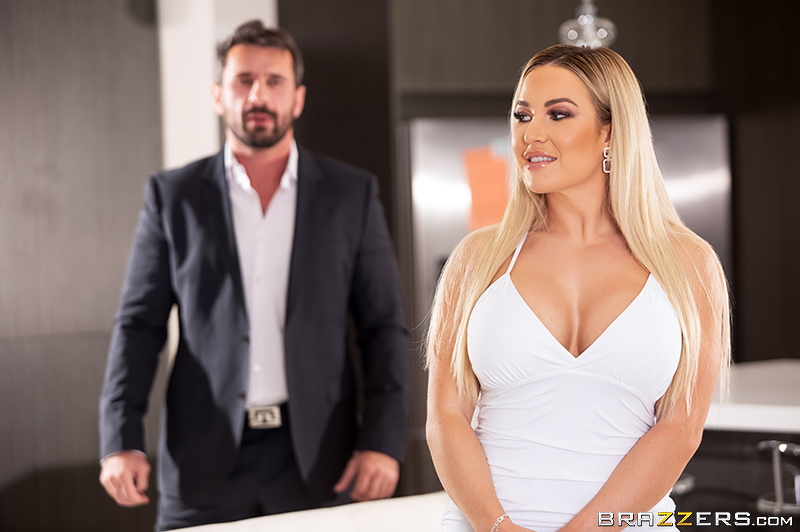 Brazzers Exxtra  Amber Jade- Amber In The Hills Part 3 1